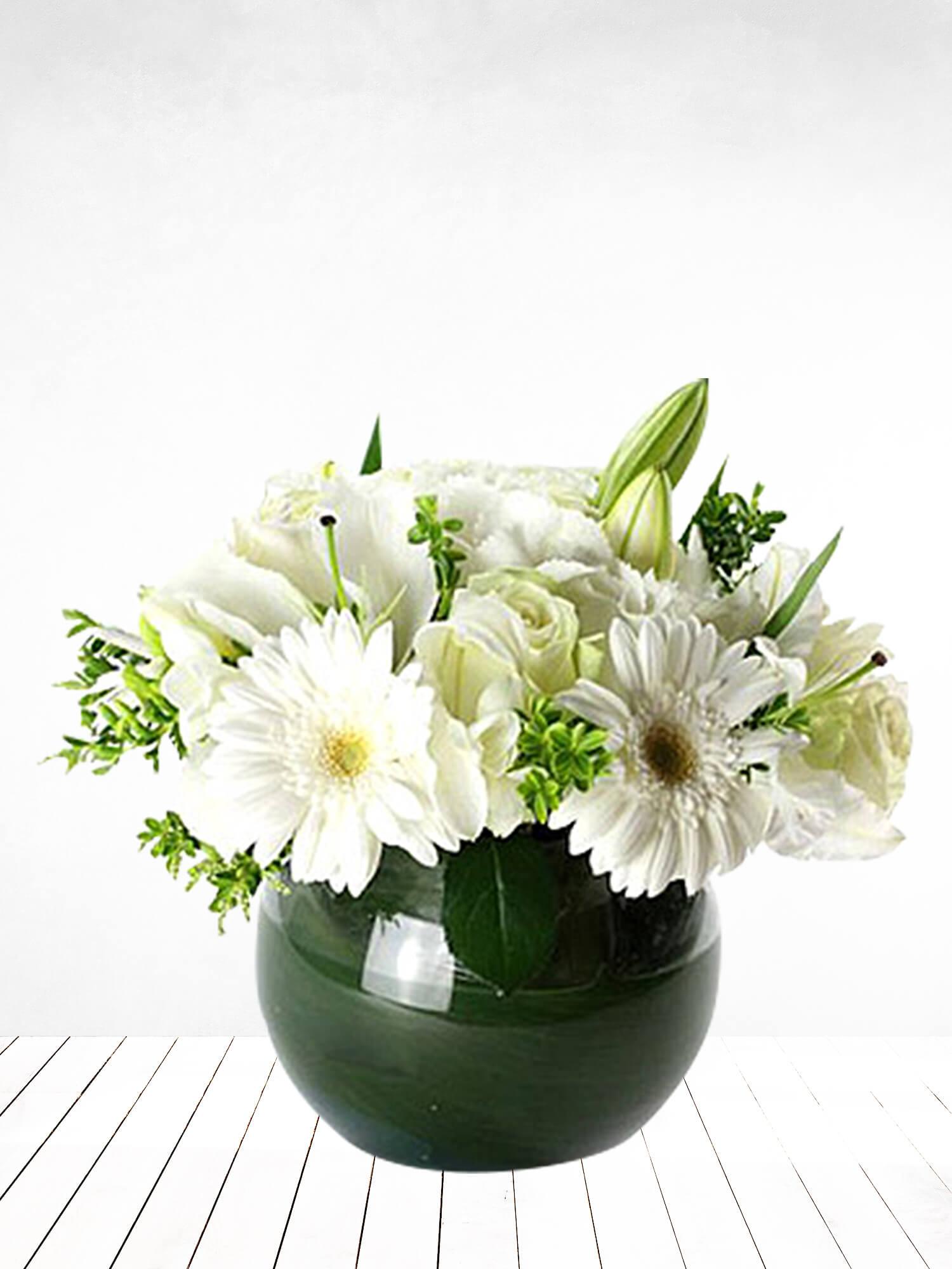 Masum Beyaz Gül, Lilyum ve Gerberalar