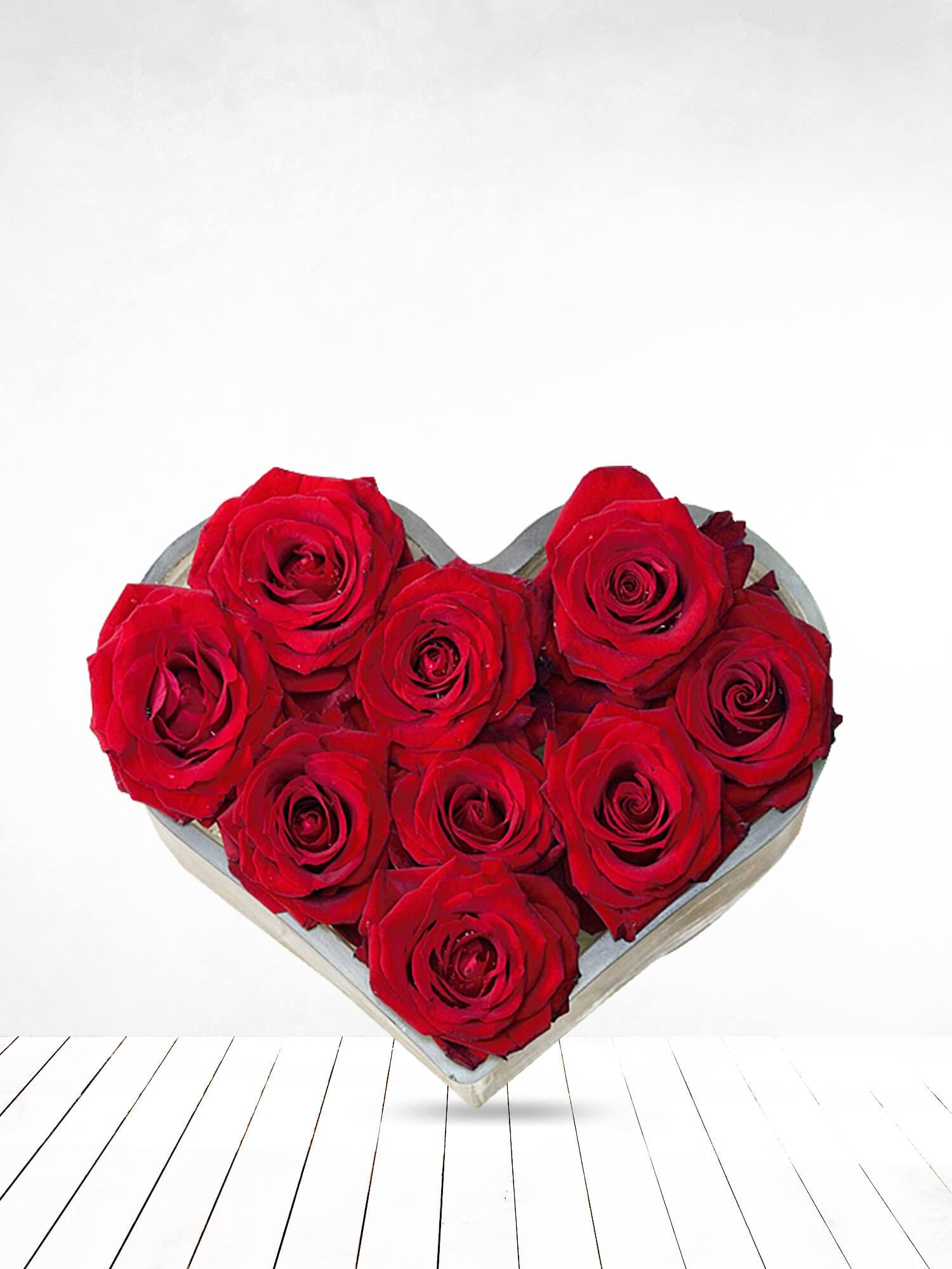 Kalp Kalbe Kırmızı Güller