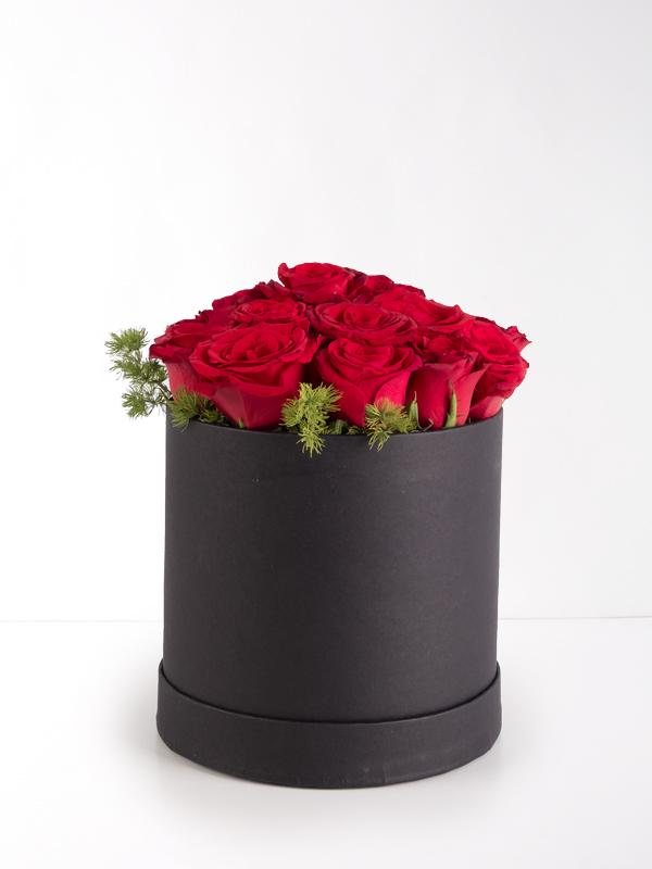 Siyah Silindir Kutuda 15Kırmızı Gül