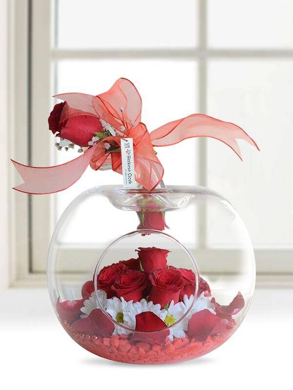 Elma Vazoda Gül ve Kır Çiçekleri