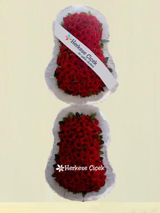 Kırmızı Gerberalarla İki Katlı Ayaklı Sepet